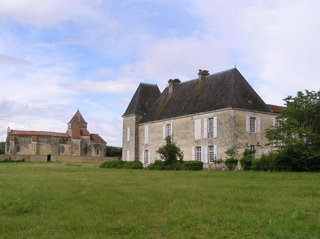 restoration of castle in the charente domus ars. Black Bedroom Furniture Sets. Home Design Ideas